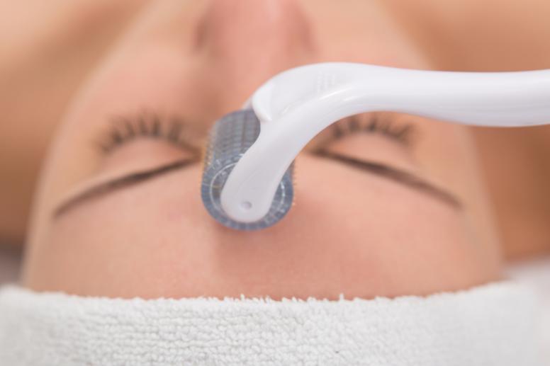 Gamme de soins professionnels Nhéo est la réponse au rajeunissement pour favoriser le micro-comblement et la régénération cellulaire de la peau.